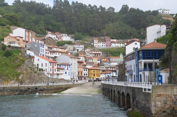 Port de Cudillero en Espagne